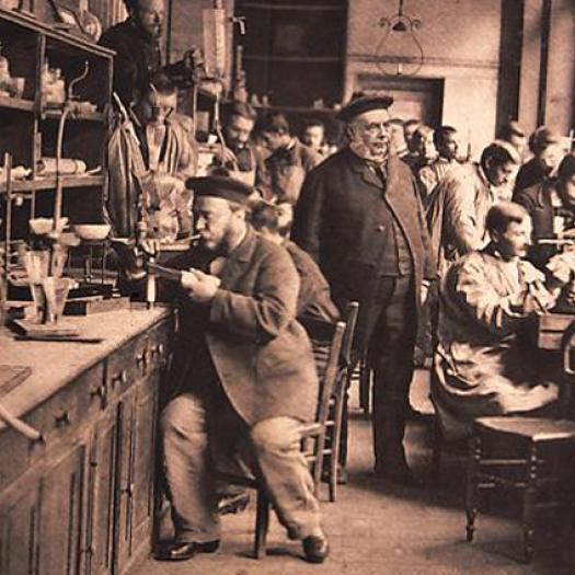 Le laboratoire au temps de Frémy (1814-1894)